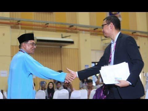 Anwar, Saiful Bukhari 'bertembung'