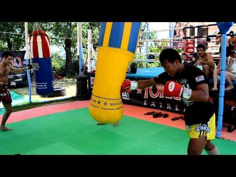 25.06 Imwiset Pornnarai Heavy Bag Training Before Muay Thai Combat Mania - Twitter @yokkaoboxing