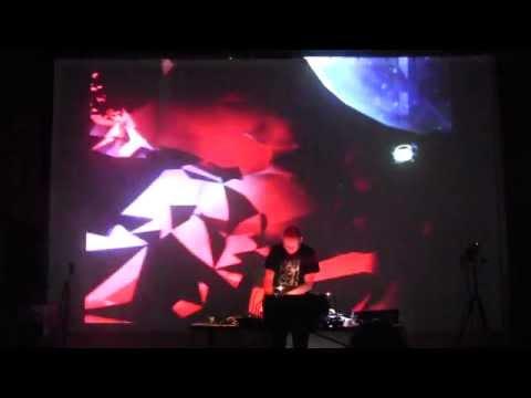 RICHARD DEVINE performance w/ HECTOR LLANQUIN :: VIA Music Conference @ 2014 VIA Festival