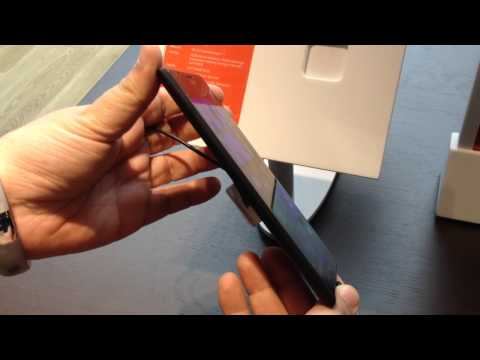 Nokia Lumia 1520 Windows Phone 8 4G LTE Hands-on By @24k At Microsoft Store Las Vegas 11-14-13