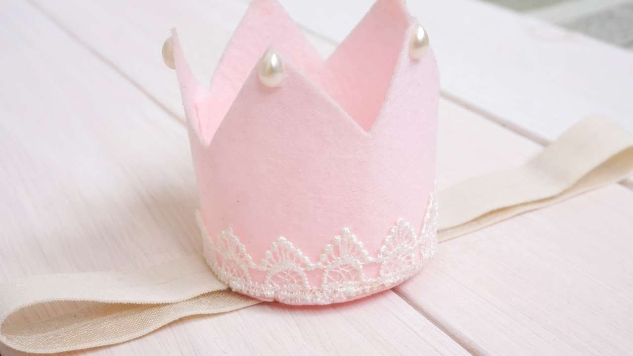How To Make A Felt Crown For The Little Princess