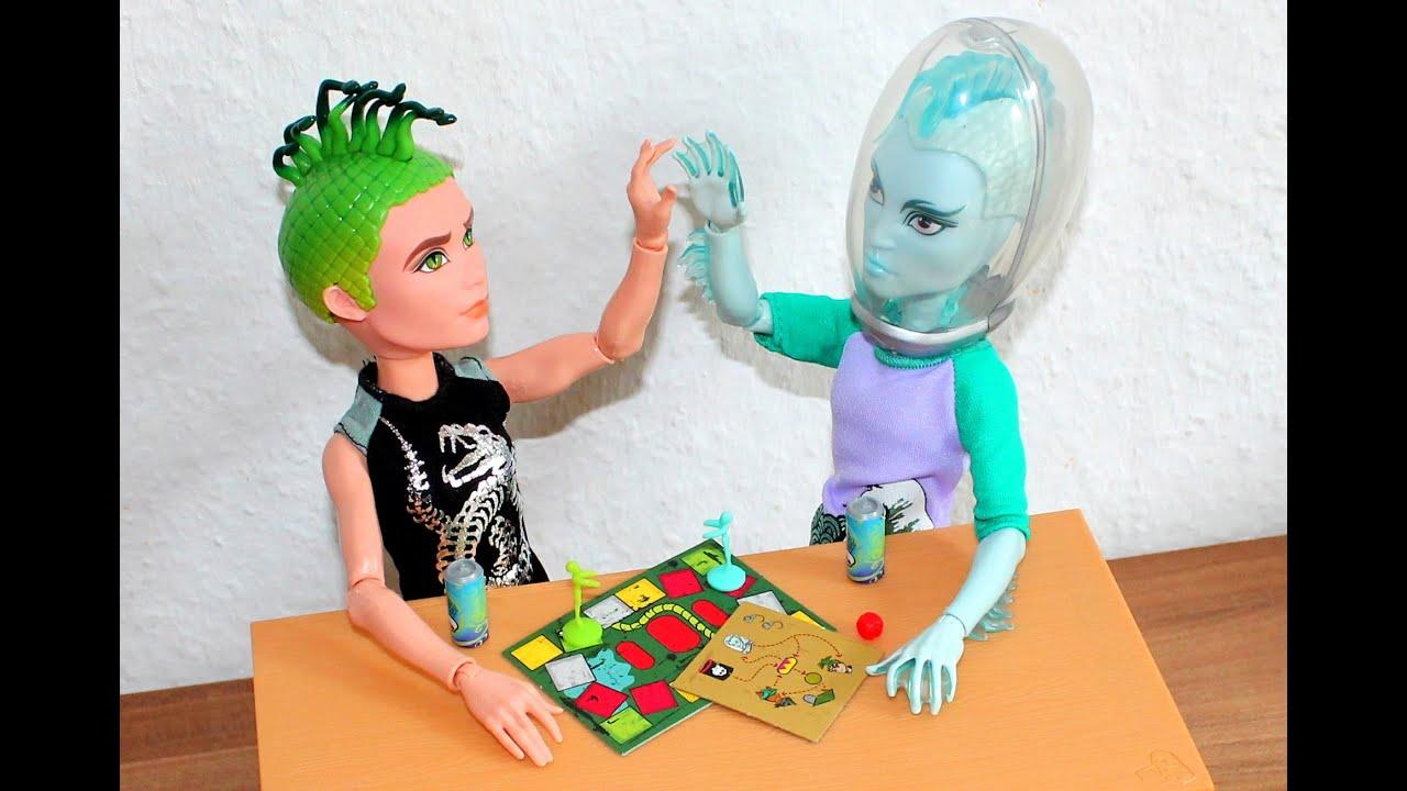 monster high haul deuce gorgon gil webber mansters pack doll review