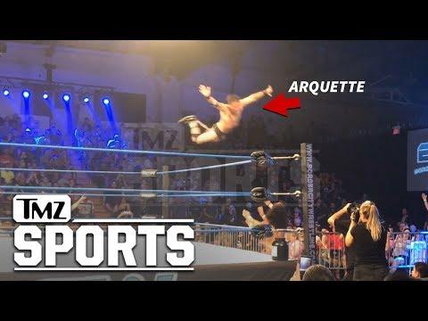 David Arquette Busts Flying Frog Splash at Canadian Wrestling Match  TMZ Sports