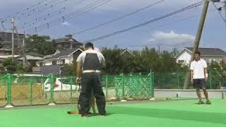 神奈川県伊勢原市にある須山警察犬愛犬訓練学校の訓練の様子です。