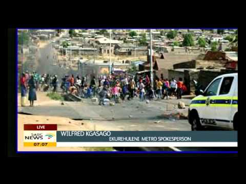 Roads closed by protesters in Tembisa