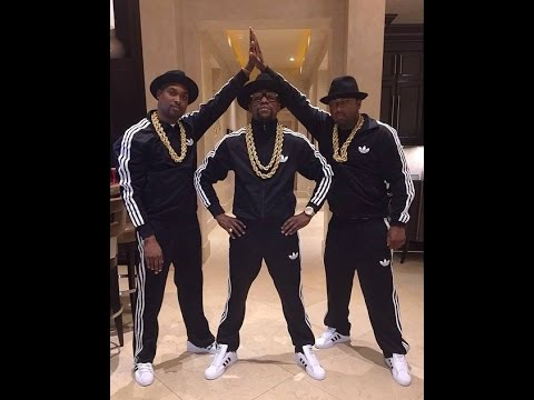 Floyd Mayweather and Friends as Run DMC - Halloween Floyd Mayweather decided to dress up for Halloween in a far less conventional outfit as the undefeated boxer decided to wear a Run DMC costume. Floydmayweather's on Shots Everything from Mayweather's mouthguard to his shorts will be custom and super exotic.