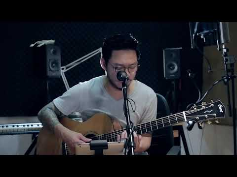 Muara - Adera (acoustic cover by Leon)