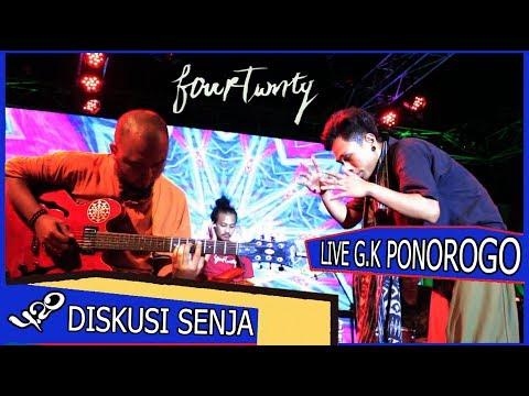 Diskusi Senja Fourtwnty Live Perform G.K Ponorogo