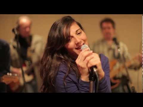 """I Am The Walrus"" - The Beatles - (Cover by Eva y Los Covernícolas).mp4"