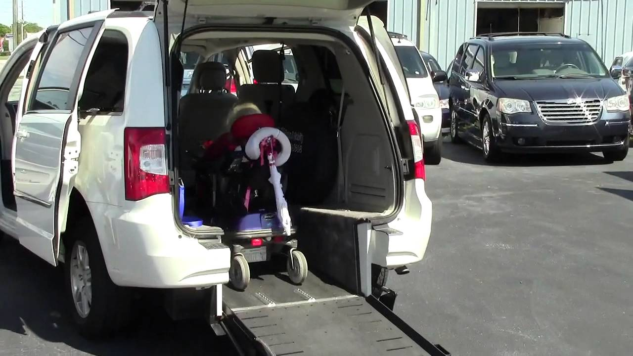 Rear Entry Accessible Wheelchair Vans Room For 2 Wheel