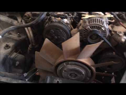 Como desmontar embrague de ventilador con llave casera/ How to remove fan clutch with home tool