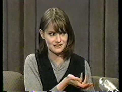 Jennifer Jason Leigh interview on the Late Show (1994)
