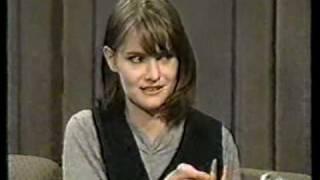 Jennifer Jason Leigh interview on Late Show (1994)