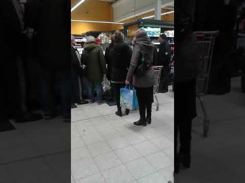 Polska Cebula Kupuje Karpia W Kauflandzie