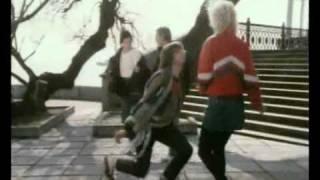 Зима в Раю (Winter in Paradise) (1989) - dance scene