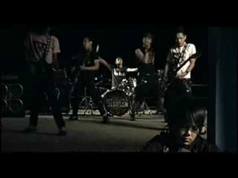 Download Youtube: Middle Finger - Tak Pernah Tahu (Video Clip 2006)