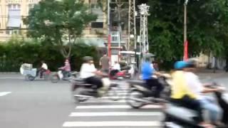 Crossing the street in Vietnam-part 1