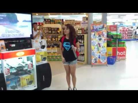 "Girl Sings ""I Will Always Love You"" Karaoke at Supermarket AMAZING!"
