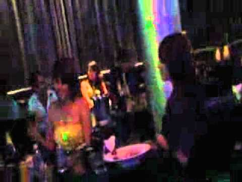 Video HOT Quay lén Minh Hằng cùng bạn trai trong bar   Clip HOT Quay lén Minh Hằng cùng bạn trai trong bar   Video Zing