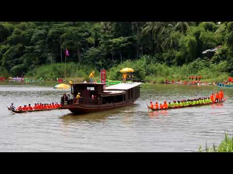 Mus Saib Nplog Rhag Nkoj ( Board Racing Festival in Luangprabang 2017 )