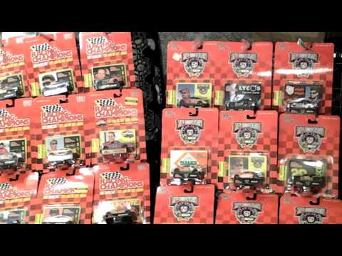 NASCAR,football,baseb,Marlboro collectibles 4 sale(4)