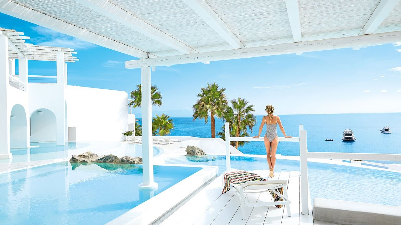 Mykonos luxury hotels greece grecotel mykonos blu 5 for Top luxury hotels