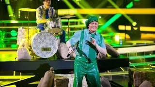Один в один! Шура - Виктор Рыбин (Страна Лимония)(Новый сезон популярного шоу «Один в один!» - это десять суперхитов, которые на одной сцене вживую исполняют..., 2015-05-17T17:00:01.000Z)