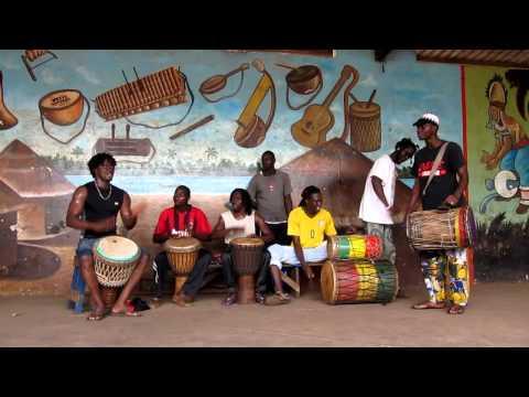 Fana Bangoura solos on Kawa in Kenian, Conakry