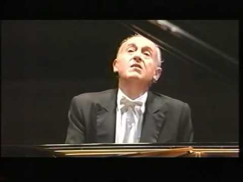 Maurizio Pollini plays Beethoven Piano Sonatas op. 109, 110, 111 - video 1998