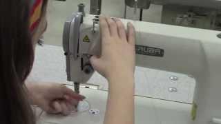 Como passar linha em uma máquina de costura industrial