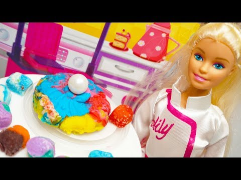 Mainan Anak Boneka Barbie Memasak Kue Di Dapur Mini Barbie Cooking Cake In Mini Kitchen Youtube