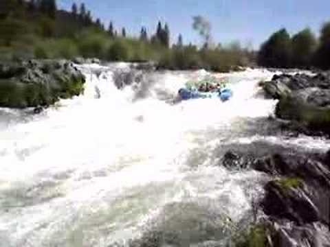 Running Nugget Rapid on the Rogue River