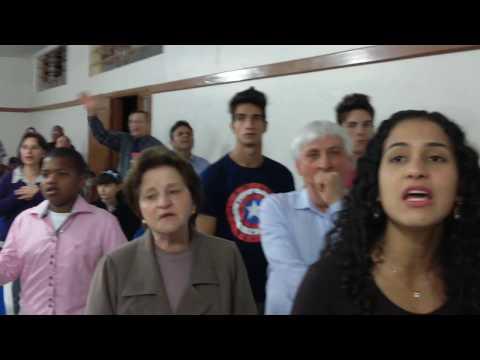 LAURA SOUGUELLIS-SANTO ESPÍRITO- HOLY SPIRIT LOUVOR E ADORAÇÃO