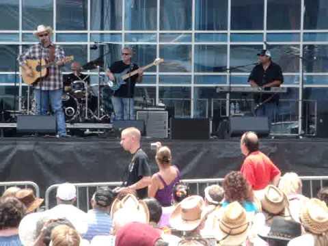 Daryle Singletary - The Note  (CMA Fest 2011)