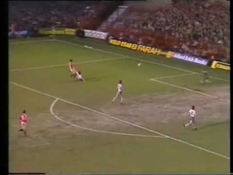 Manchester United 2-0 West Ham United (1982-83)