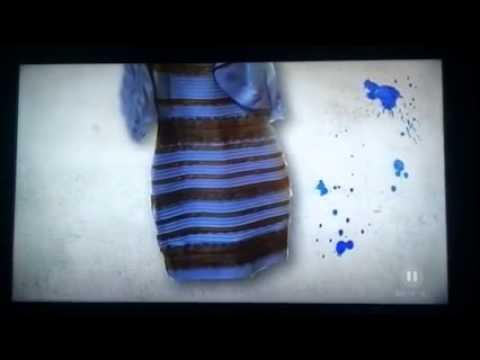 Kleid blau schwarz weiss gold wechselt