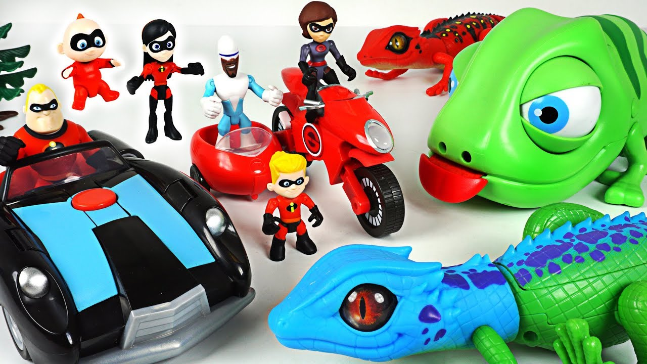 Giant lizard, chameleon appeared! Incredibles 2 family's Elasticycle, Black car! Go! - DuDuPopTOY