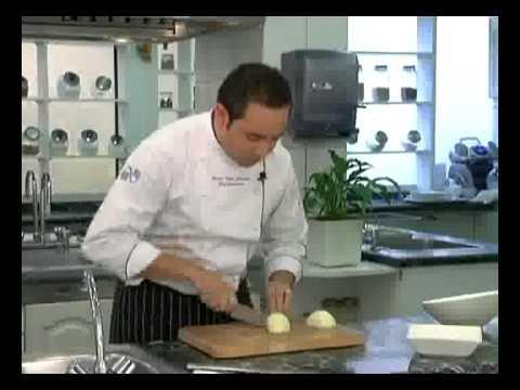 T cnicas b sicas de cocina c mo cortar en paisana doovi - Tecnicas basicas de cocina ...