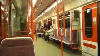Ukončete prosím výstup a nástup, dveře se zavírají - Prague metro - from Mustek to Skalka