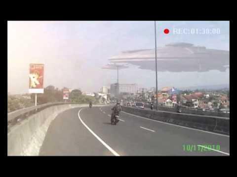 Penampakan UFO di Bandung - YouTube