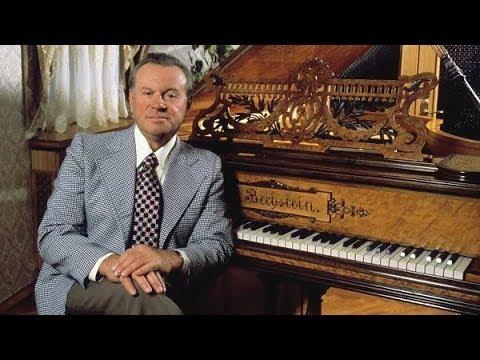 Evgeny Svetlanov plays Svetlanov - Piano Concerto (Moscow, 1976)