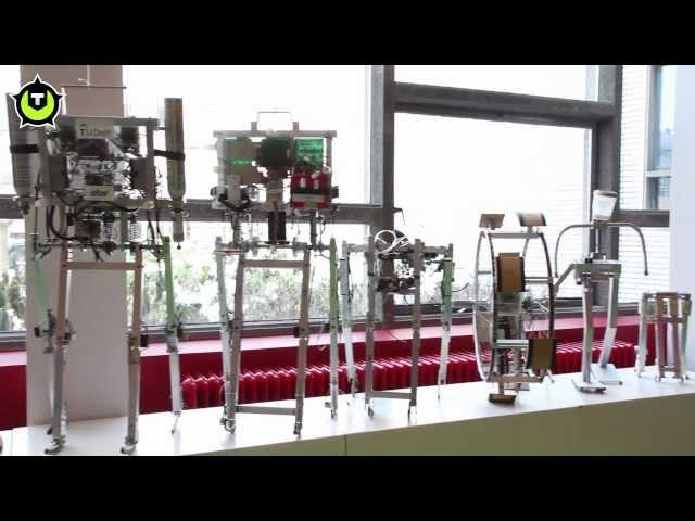 Videoreport: Robots leren zelf lopen op de TU Delft