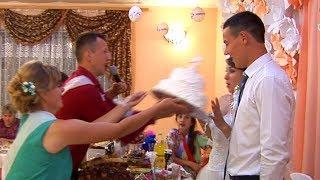 Торт в лицо  невесте.  Wedding Cake in the face of the bride