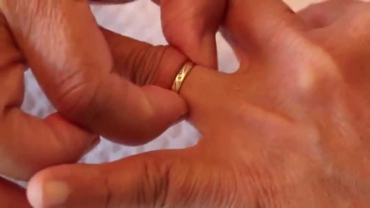 How to Remove a Tight Fitting Ring YouTube