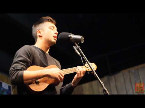 1029 The Buzz Acoustic Session: Twenty One Pilots  Holding On To You