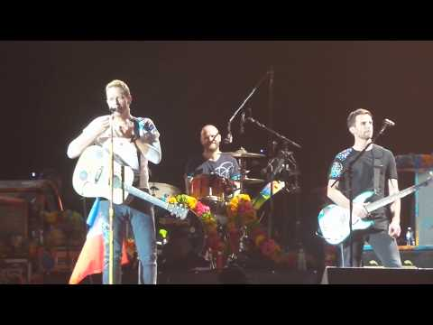 Coldplay LIVE Paris - Chris: Please no cell phones for 1 song - July 15th 2017