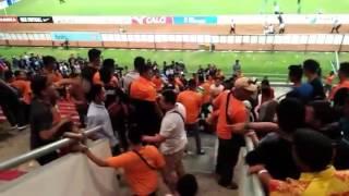 suporter sriwijaya fc vs bhayangkara fc rusuh tribun timur