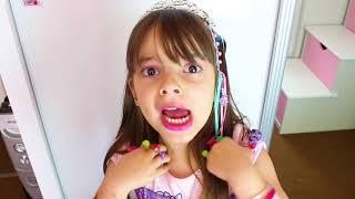 LAURINHA BRINCANDO DE PRINCESA E ESPELHO MÁGICO ! LAURINHA PRETEND PLAY PRINCESS AND MAGIC MIRROR