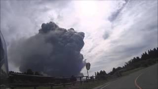 2015年9月14日 阿蘇山噴火 九州ツーリングで阿蘇登山道路を走行中(草千...
