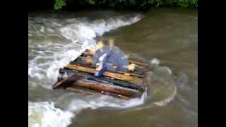 Moara de apa plutitoare finalizata